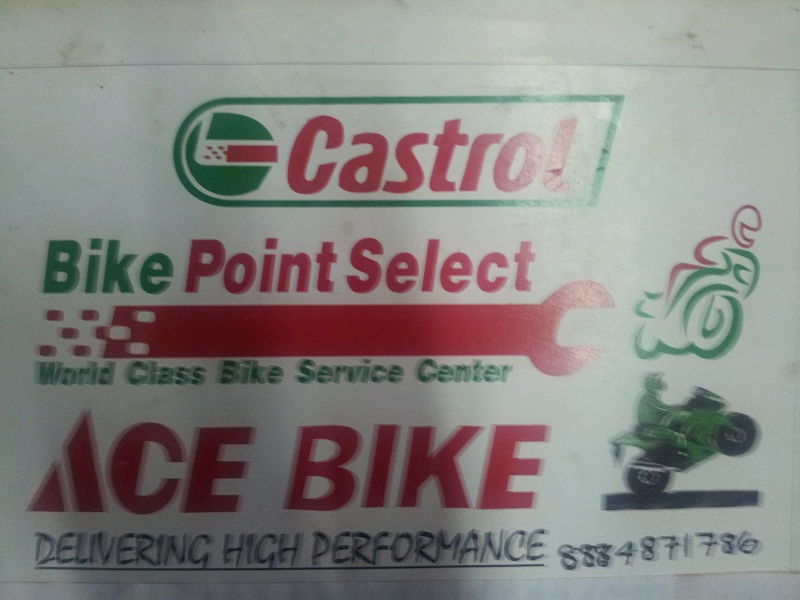 Car service center servicing wash in
